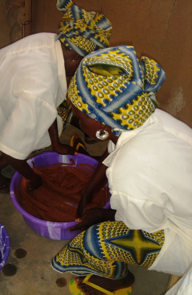 Recognising the value of traditional shea butter is recognising African women know-how. (Photo copyright: Karethic Bénin)