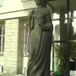 Polish_Patent_Office_sculpture